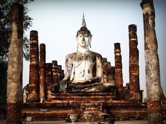 La mindfulness, une pratique laïque issue du Bouddha.